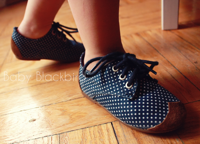 re cover worn shoes, repirpose kids shoes, kdis fashion diy, kids style diy,