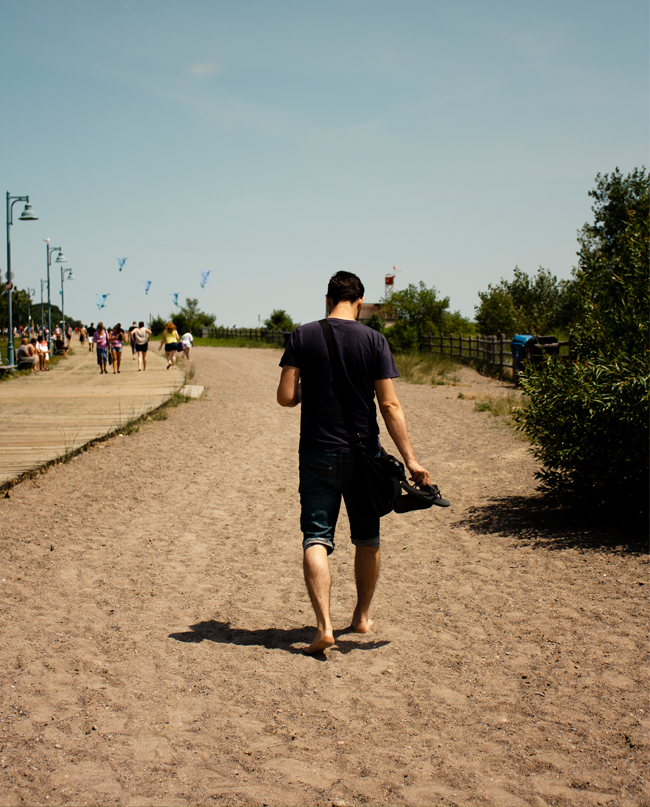 the beaches toronto, family day on the beach, urban toronto family, young stylish family, urban beach day, lazy sunday