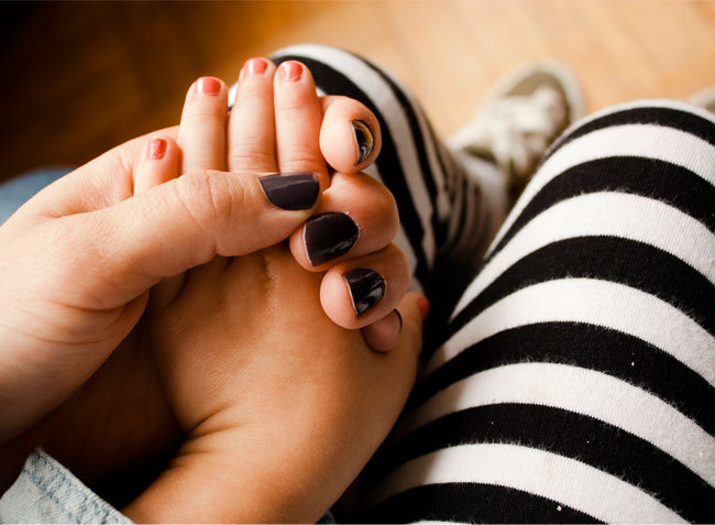 nail polish, grey nail polish
