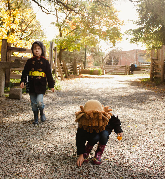 riverdale farm toronto, family day, urban family, young stylish family, toronto family, halloween, city kids, farm stinks