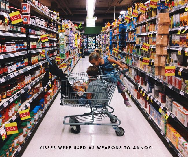 siblings-bickering-grocery-store