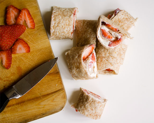 strawberry-and-cream-cheese-wraps