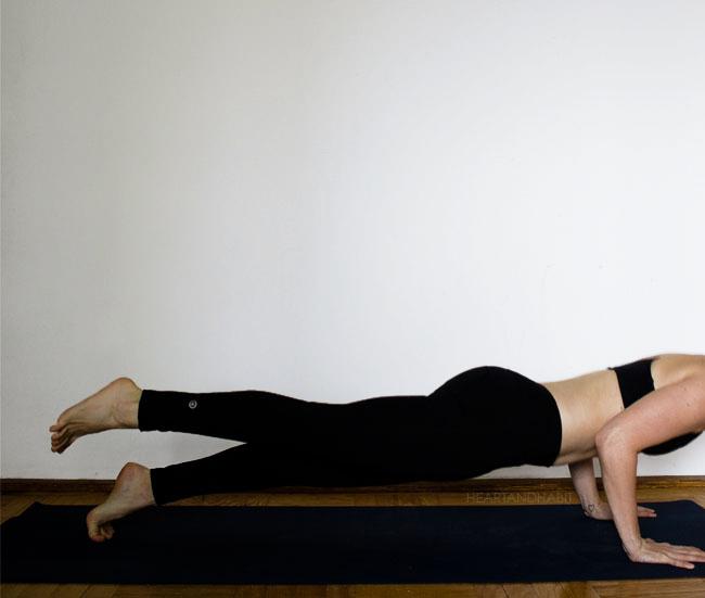 one leg low plank #yoga