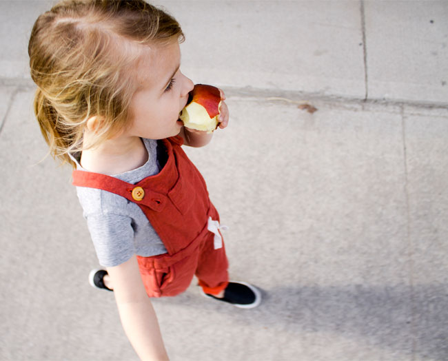 apple-eating-in-comfy-overalls4